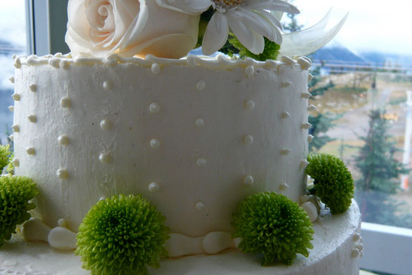 daisey wedding cake