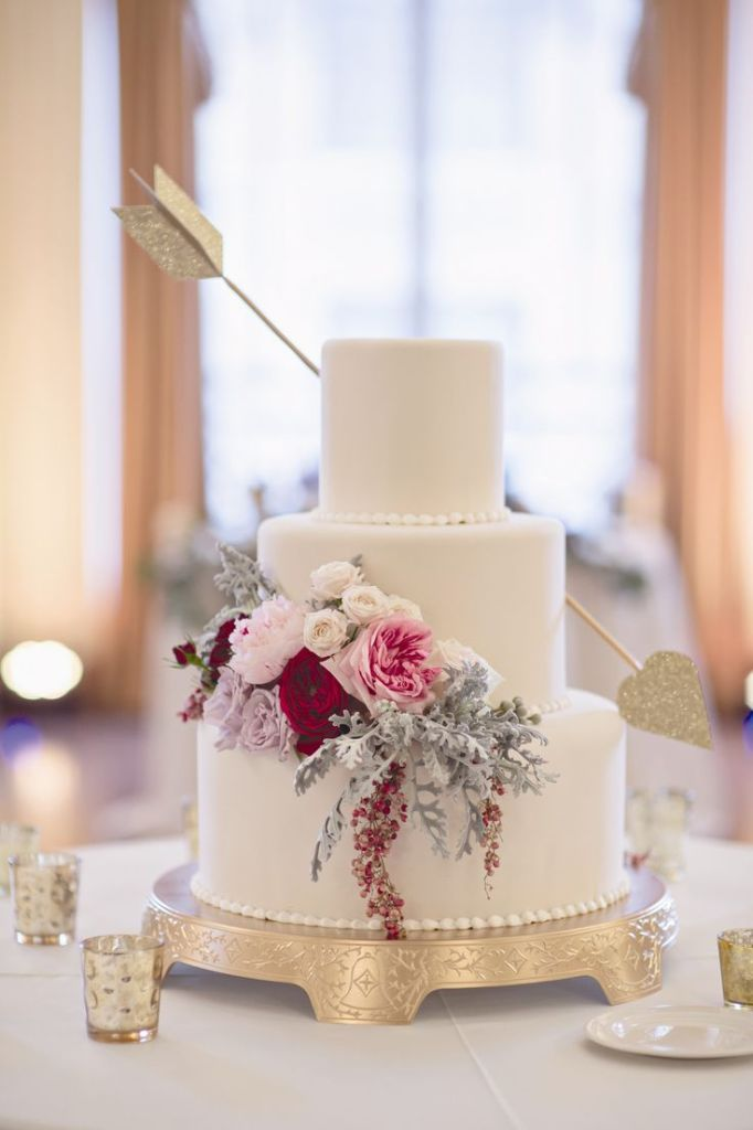 WhiteGoldWeddingCake