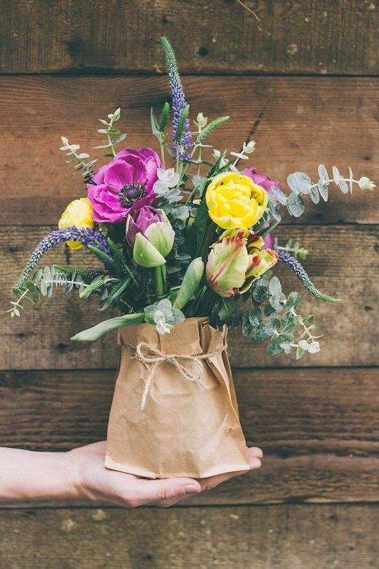 DIY Floral Centerpieces in Paper Bag