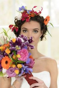 cinco-de-mayo-wedding-inspiration-floral-crown-bouquet