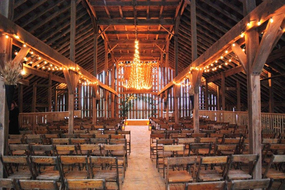 5 Reasons You Ll Want To Have A Rustic Barn Wedding