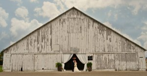 indiana-barn-on-boundary-exterior