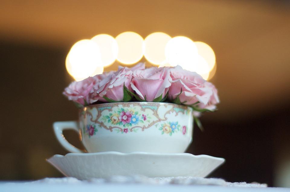 Decorated tea cup