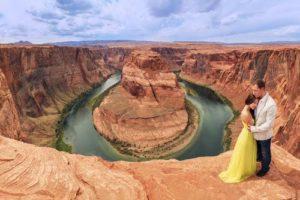 Grand canyon wedding couple