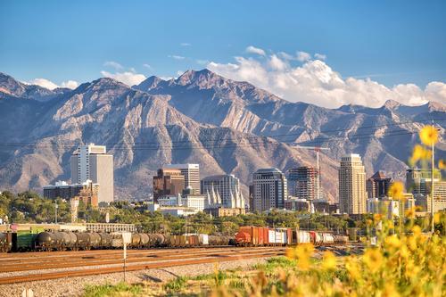 Utah skyline against mountains