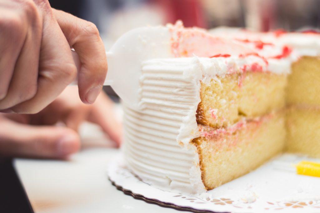 Keepsake Cake Knives An Important Wedding Tradition