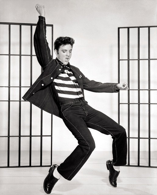 elvis in middle of dance move