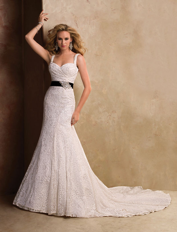 wedding gowns under $1000: maggie sottero lace dress