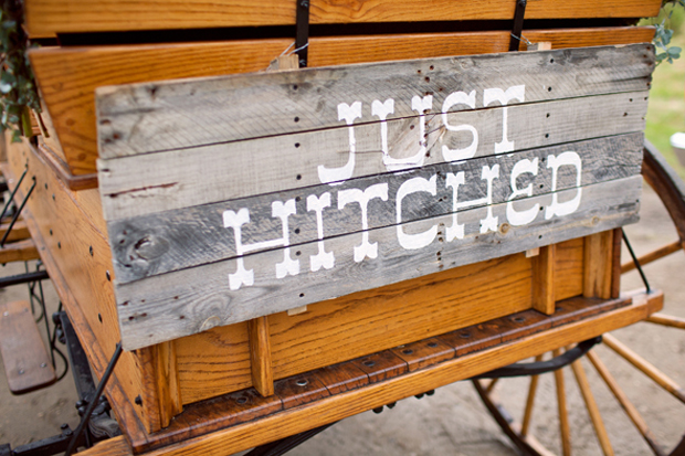 rustic wedding sign | wagon getaway