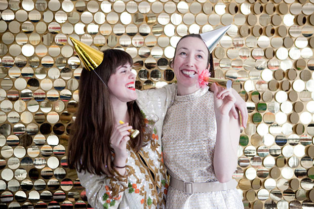 diy photobooth wall with sequins
