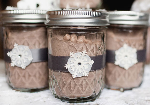 warm favor ideas for winter weddings | hot cocoa