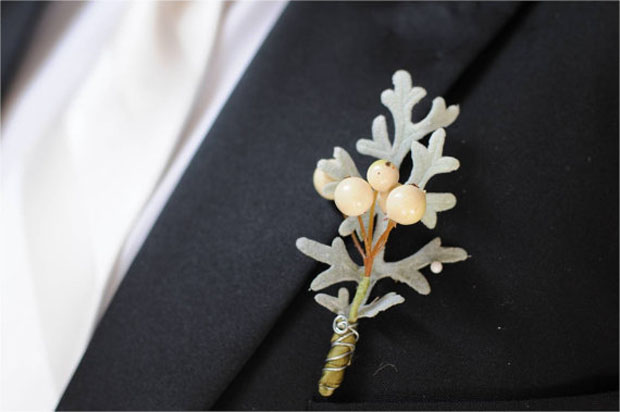 winter wedding: berry boutonniere