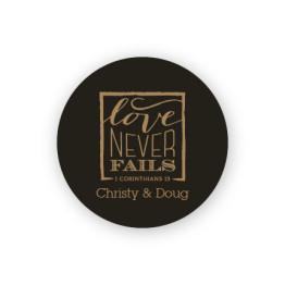 """Love Never Fails 1 1/2"""" Round Sticker"""